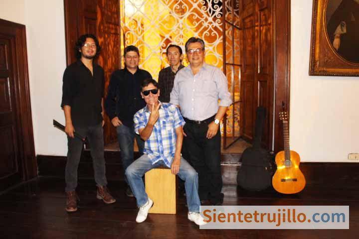 Alberto Quispe y su grupo Checan