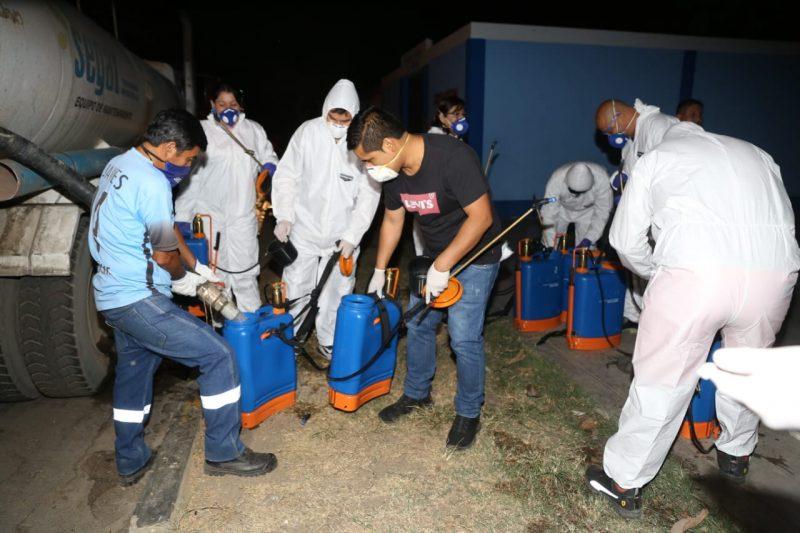 Desinfección de calles de Trujillo
