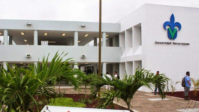 estudiantes de la UCV Universidad Veracruzana
